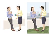 休憩中に談笑する女性社員たち 60030000037| 写真素材・ストックフォト・画像・イラスト素材|アマナイメージズ