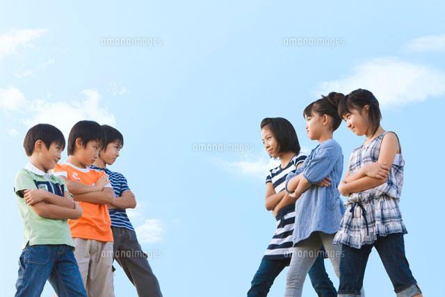 対立する小学生[07800012748]| ...