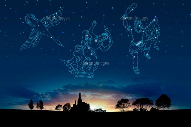 夕日イメージと星座(白鳥座,カシオペア座,オリオン座)