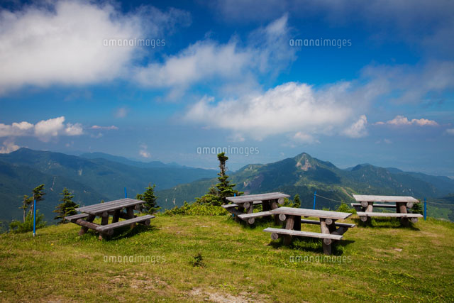 横手山山頂のベンチ[10277001900...