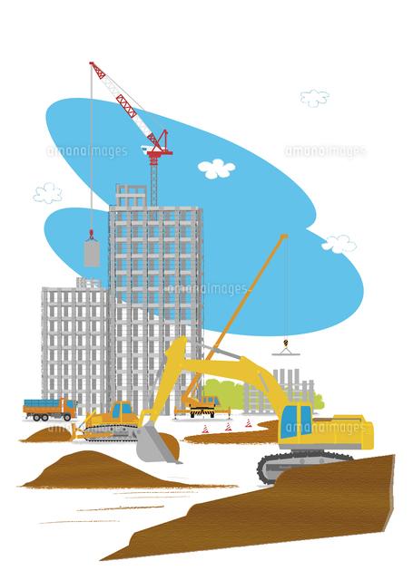 高層マンション建設の工事現場で働く車[10467000137]| 写真素材・ストックフォト・画像・イラスト素材|アマナイメージズ