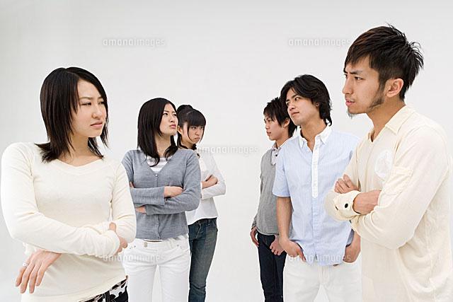 対立する若者達[11014008988]| ...