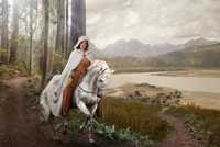 Caucasian woman riding horse in remote forest 11018072171| 写真素材・ストックフォト・画像・イラスト素材|アマナイメージズ