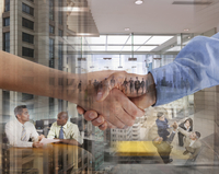 Montage of business people working and shaking hands 11018080111| 写真素材・ストックフォト・画像・イラスト素材|アマナイメージズ