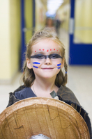 Girl Dressed up at School as Viking Shieldmaiden for Halloween, Toronto, Ontario, Canada 11030042240| 写真素材・ストックフォト・画像・イラスト素材|アマナイメージズ
