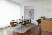 Dining Room off of Kitchen with Wooden Floors 11084000193| 写真素材・ストックフォト・画像・イラスト素材|アマナイメージズ