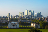 Skyline against clear sky seen from Greenwich Observatory 11100026788| 写真素材・ストックフォト・画像・イラスト素材|アマナイメージズ