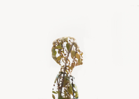Double exposure of boy and tree against white background 11100043588| 写真素材・ストックフォト・画像・イラスト素材|アマナイメージズ