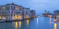 Grand Canal with palazzi and the Basilica of Santa Maria 11102000048| 写真素材・ストックフォト・画像・イラスト素材|アマナイメージズ