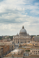 View over historic centre and St. Peter's Basilica, Vatican 11102000900| 写真素材・ストックフォト・画像・イラスト素材|アマナイメージズ